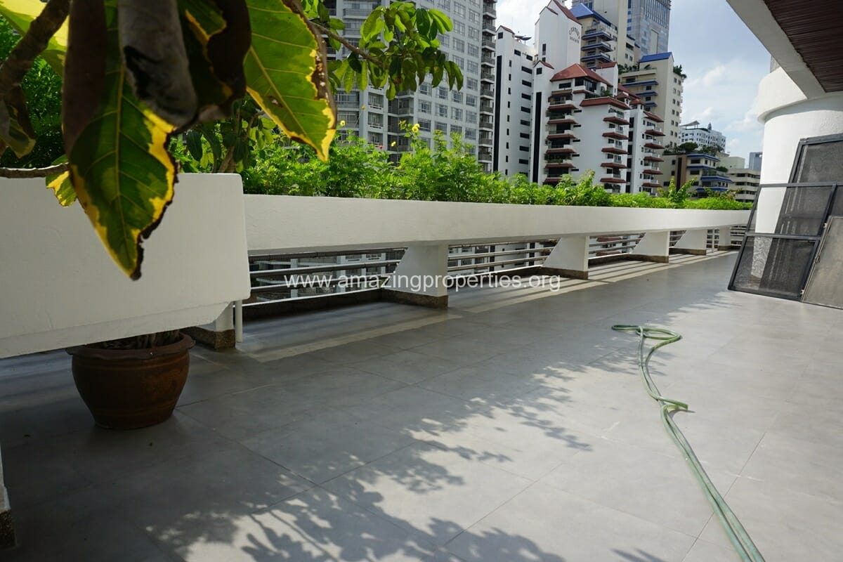Duplex Penthouse for Rent Jaspal Apartment Sukhumvit 23 (3)