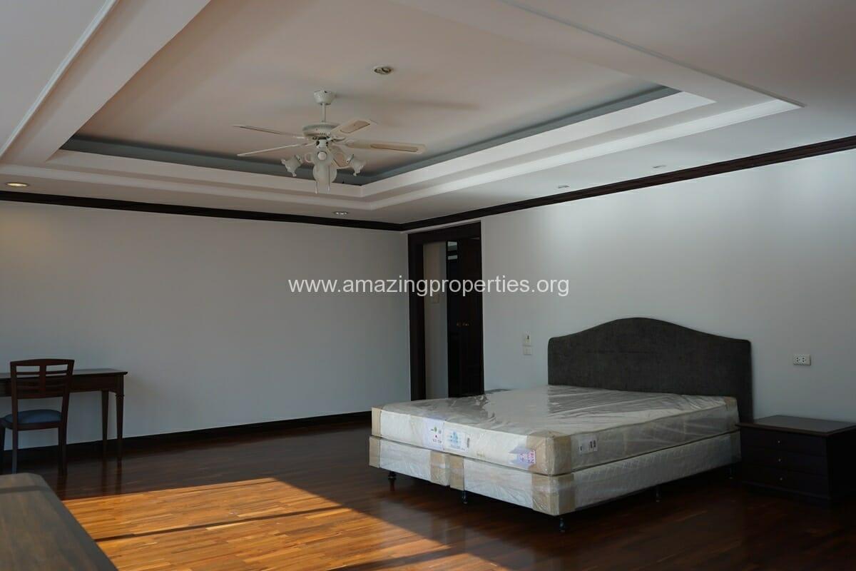 Duplex Penthouse for Rent Jaspal Apartment Sukhumvit 23 (30)