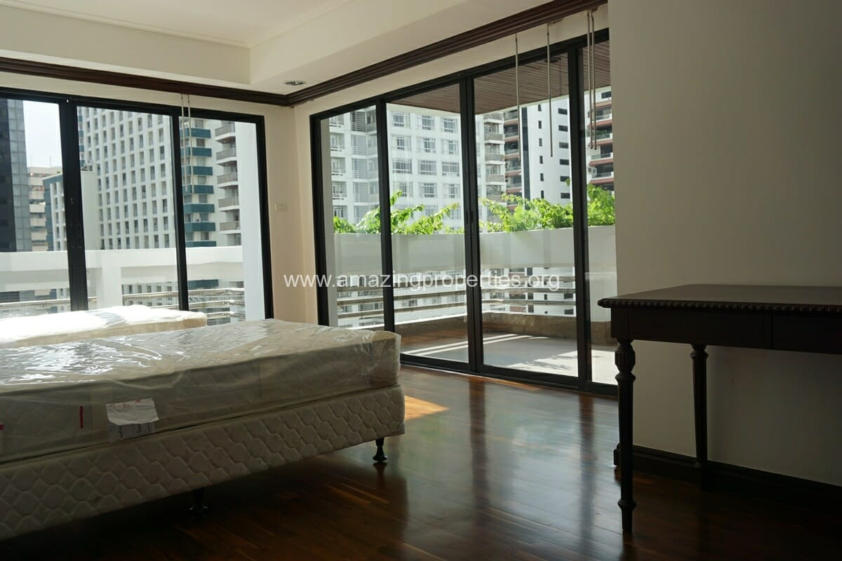Duplex Penthouse for Rent Jaspal Apartment Sukhumvit 23 (32)