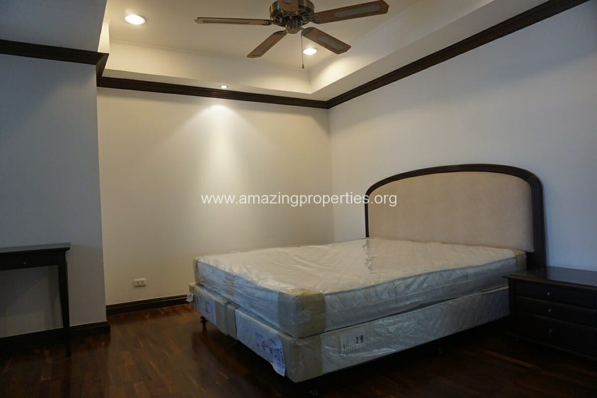 Duplex Penthouse for Rent Jaspal Apartment Sukhumvit 23 (39)