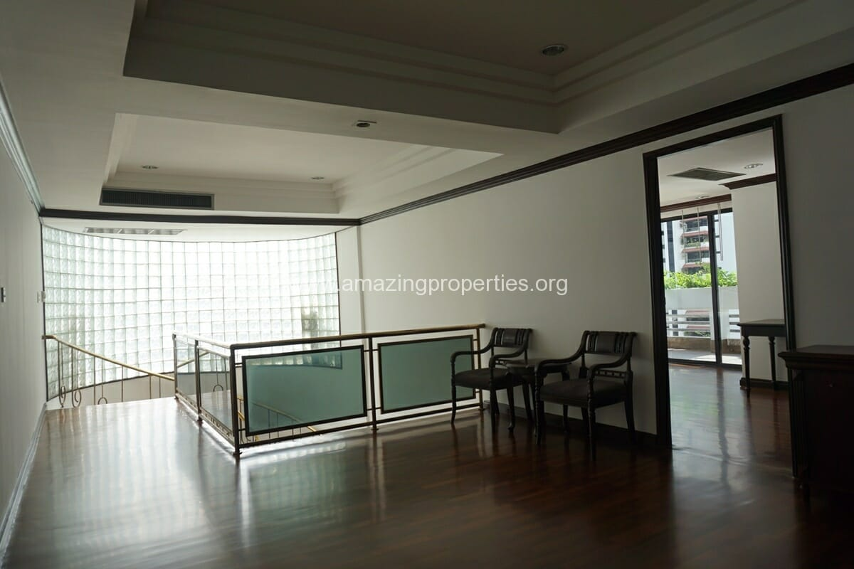 Duplex Penthouse for Rent Jaspal Apartment Sukhumvit 23 (42)