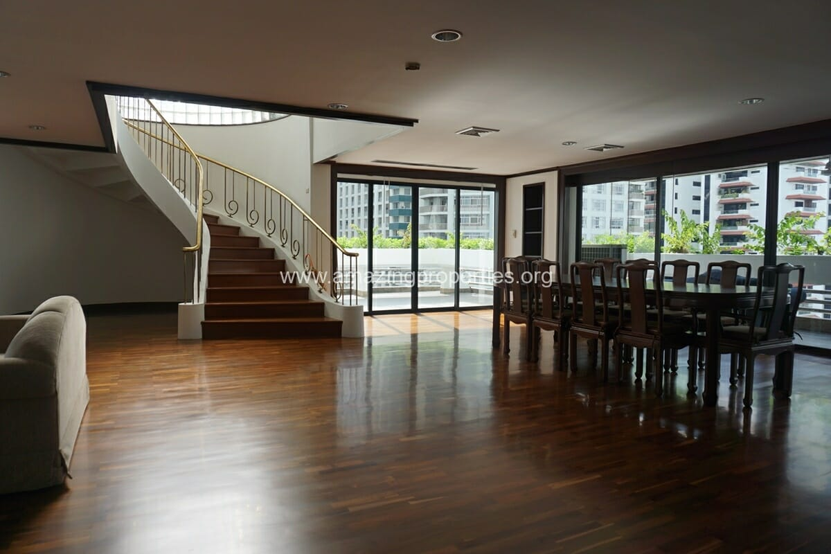 Duplex Penthouse for Rent Jaspal Apartment Sukhumvit 23 (6)