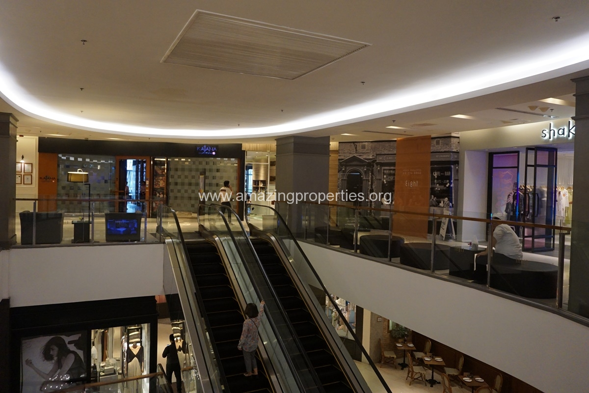 Eight Thonglor Shoppingmall (1)