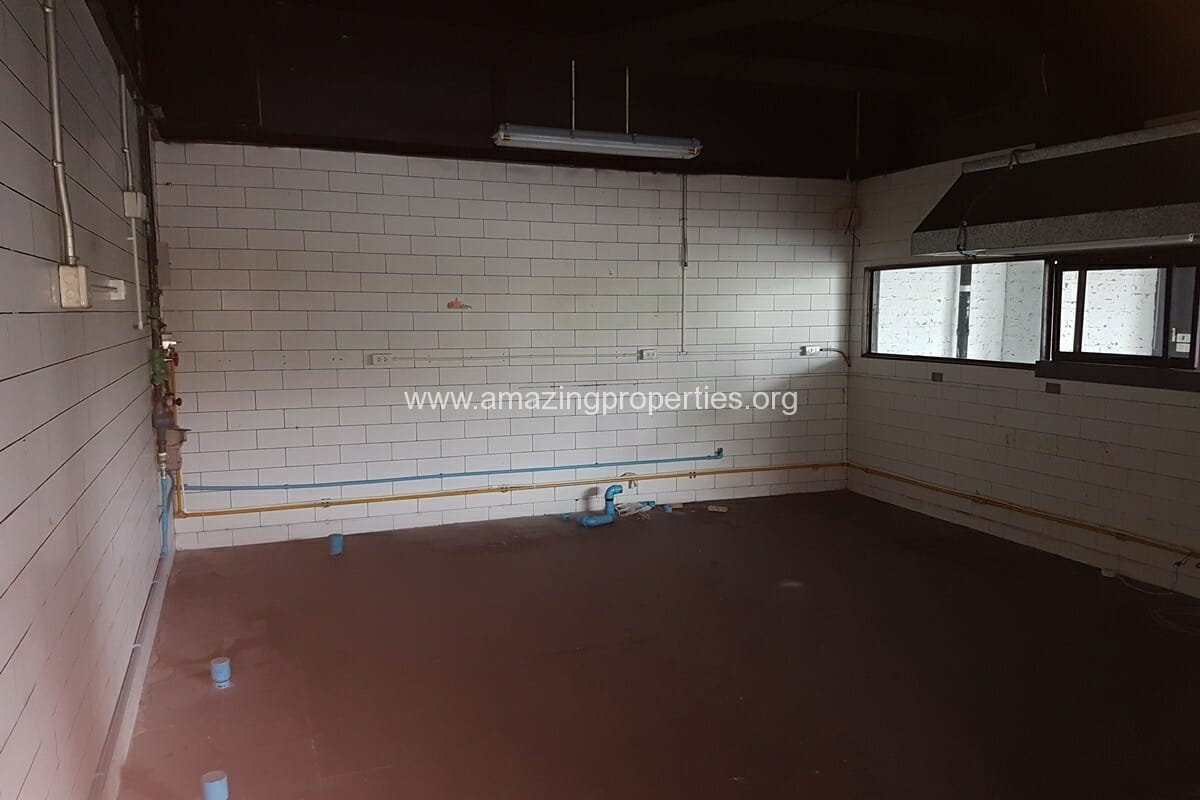 Phrom Phong 180 Sqm Commercial space for Rent (1)