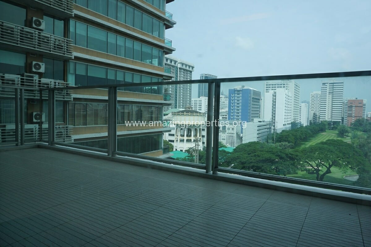 2 Bedroom Condo at 185 Rajdamri (10)