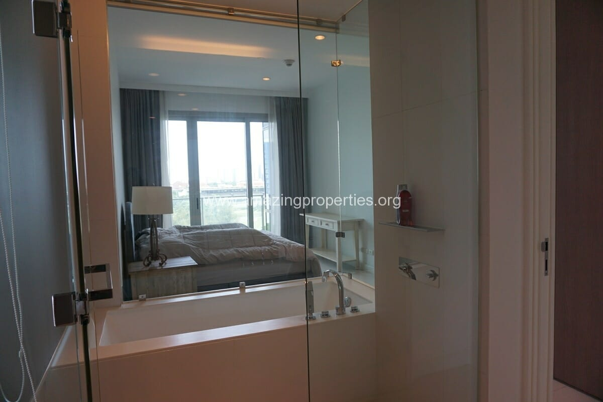 2 Bedroom Condo at 185 Rajdamri (16)