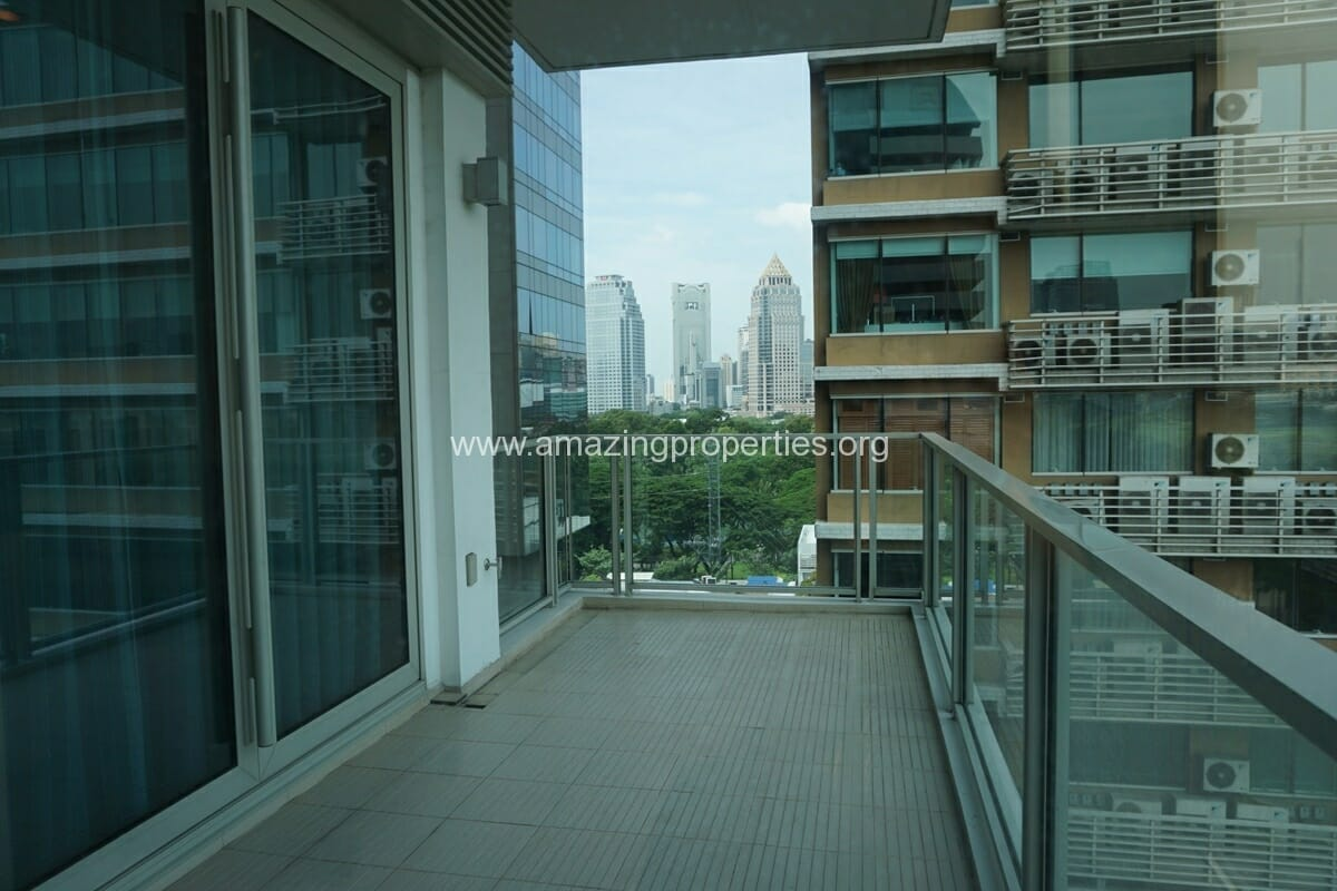 2 Bedroom Condo at 185 Rajdamri (2)