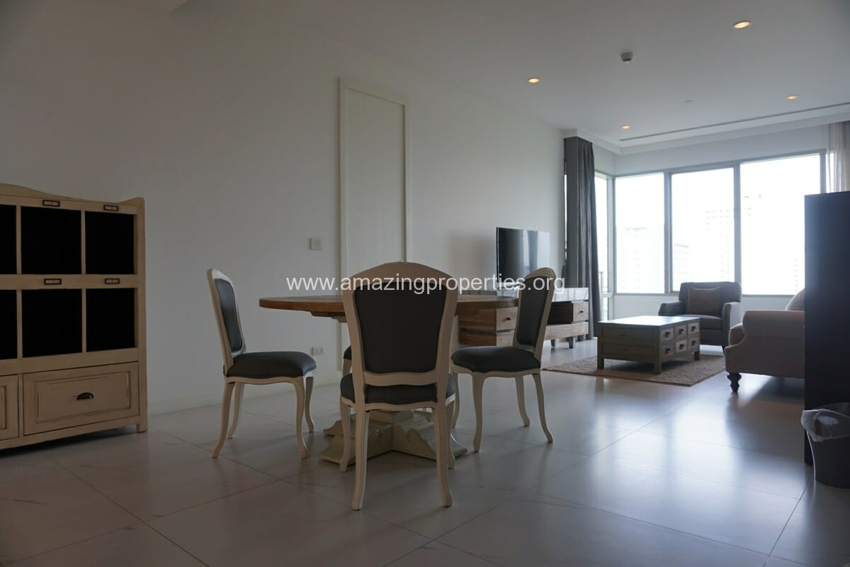 2 Bedroom Condo at 185 Rajdamri (7)