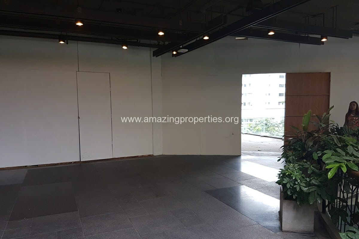 188 Sqm Commercial space for Rent Phrom Phong (4)