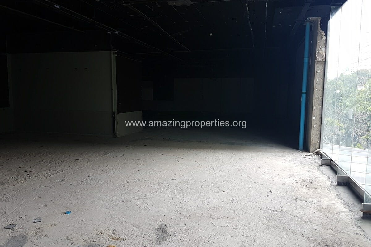 199 Sqm Commercial Space for Rent Phrom Phong (1)