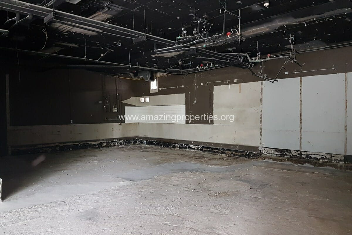 199 Sqm Commercial Space for Rent Phrom Phong (2)