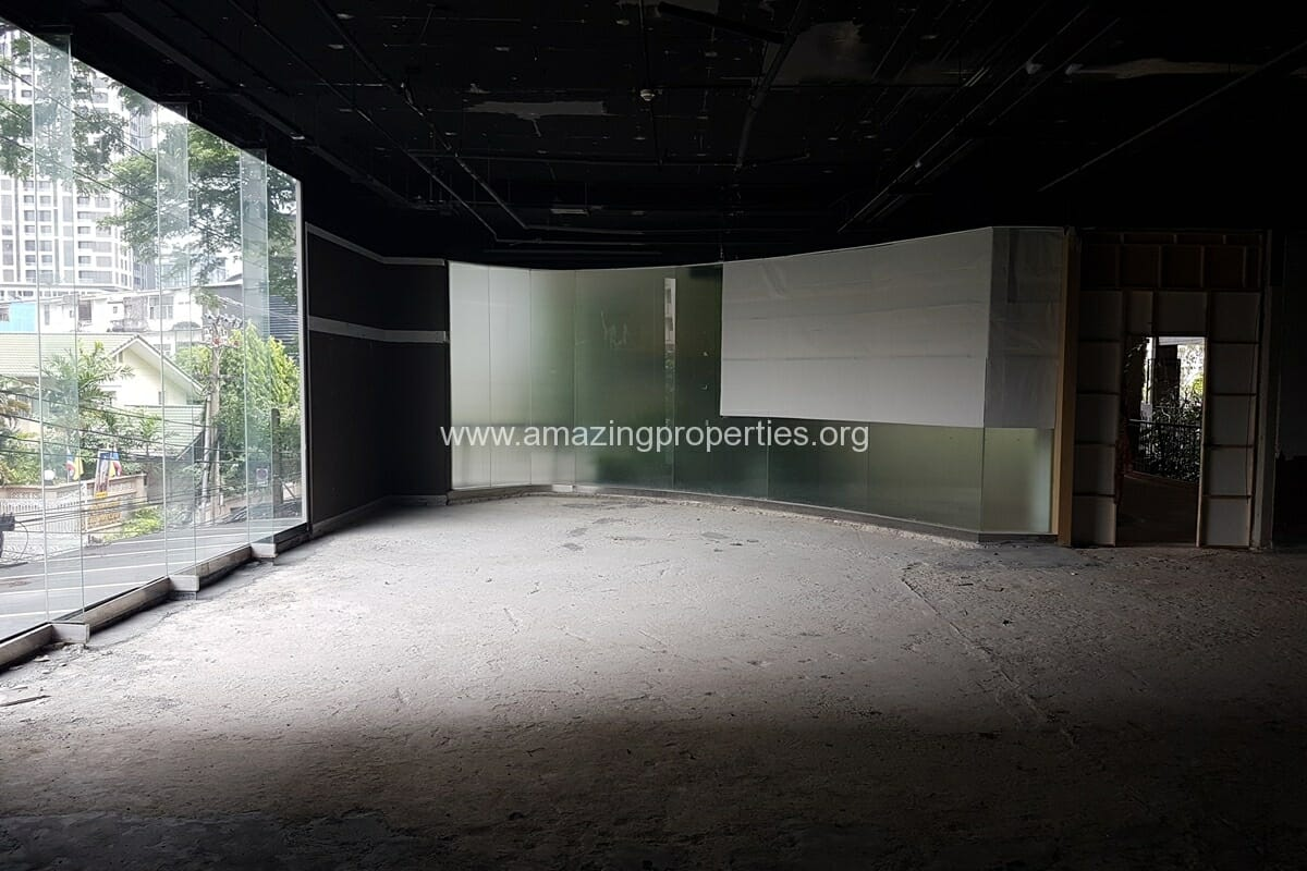 199 Sqm Commercial Space for Rent Phrom Phong (3)