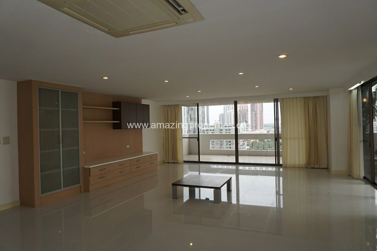 Dera Mansion 4 bedroom Penthouse for Rent