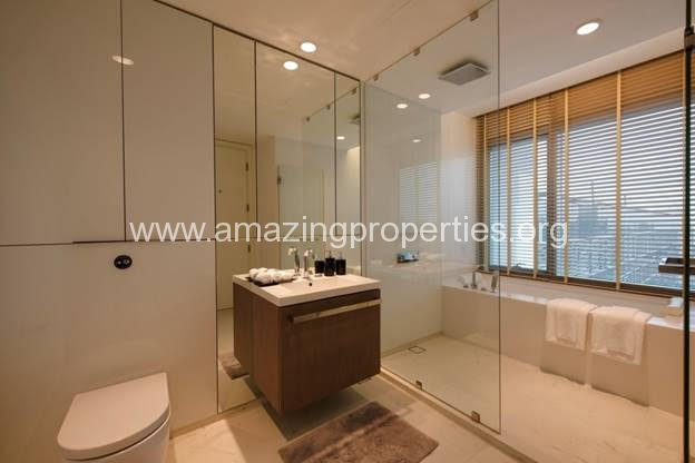 Duplex 2 bedroom condo 185 Rajdamri (17)