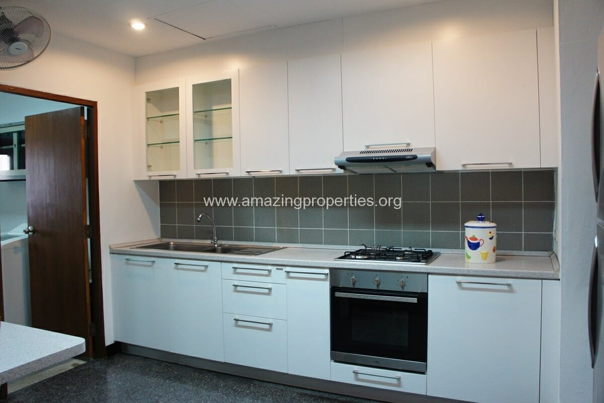 3 Bedroom Apartment for Rent at Raintree Village Apartment (2)