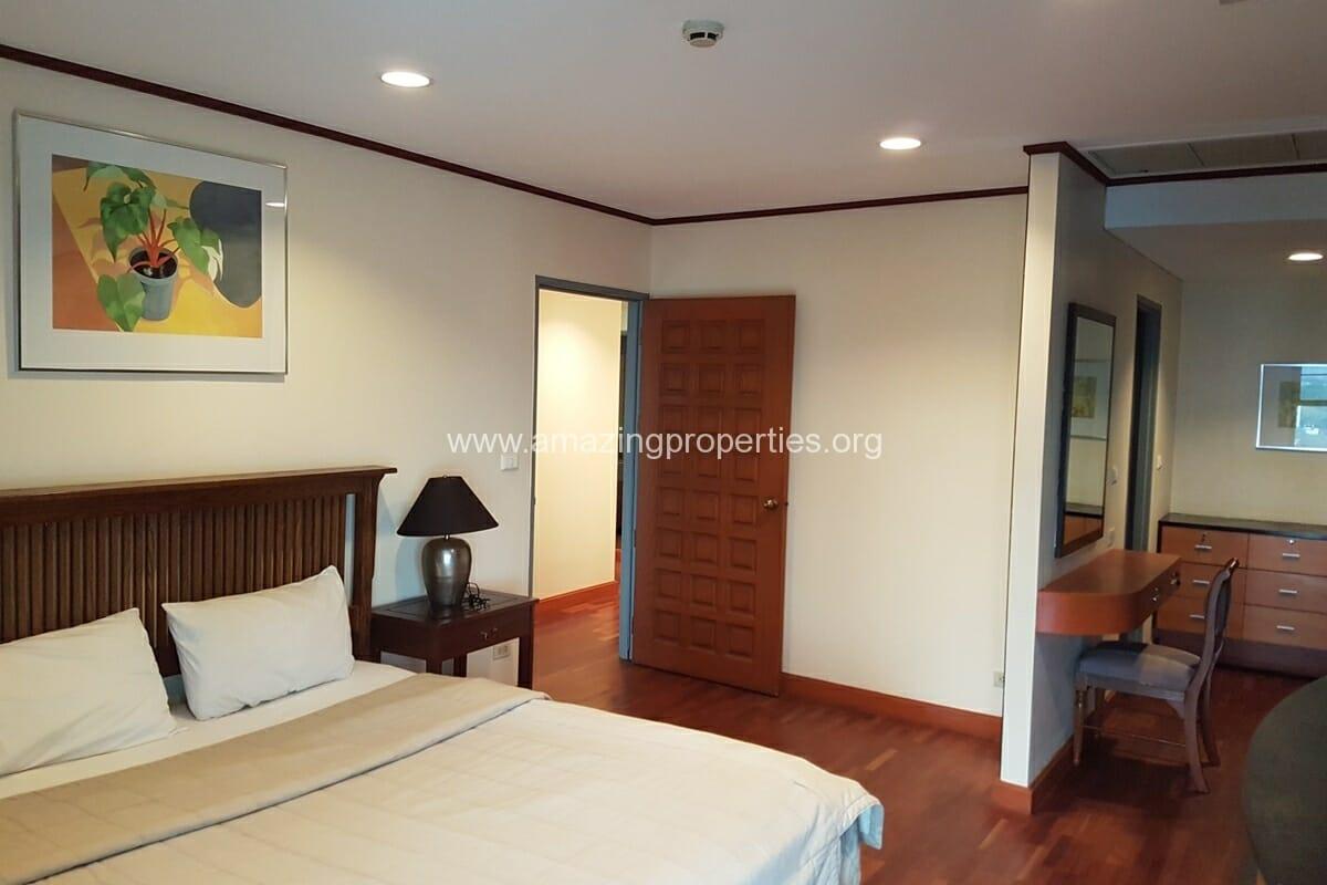 Baan Somthavil 2 Bedroom condo for Rent (11)