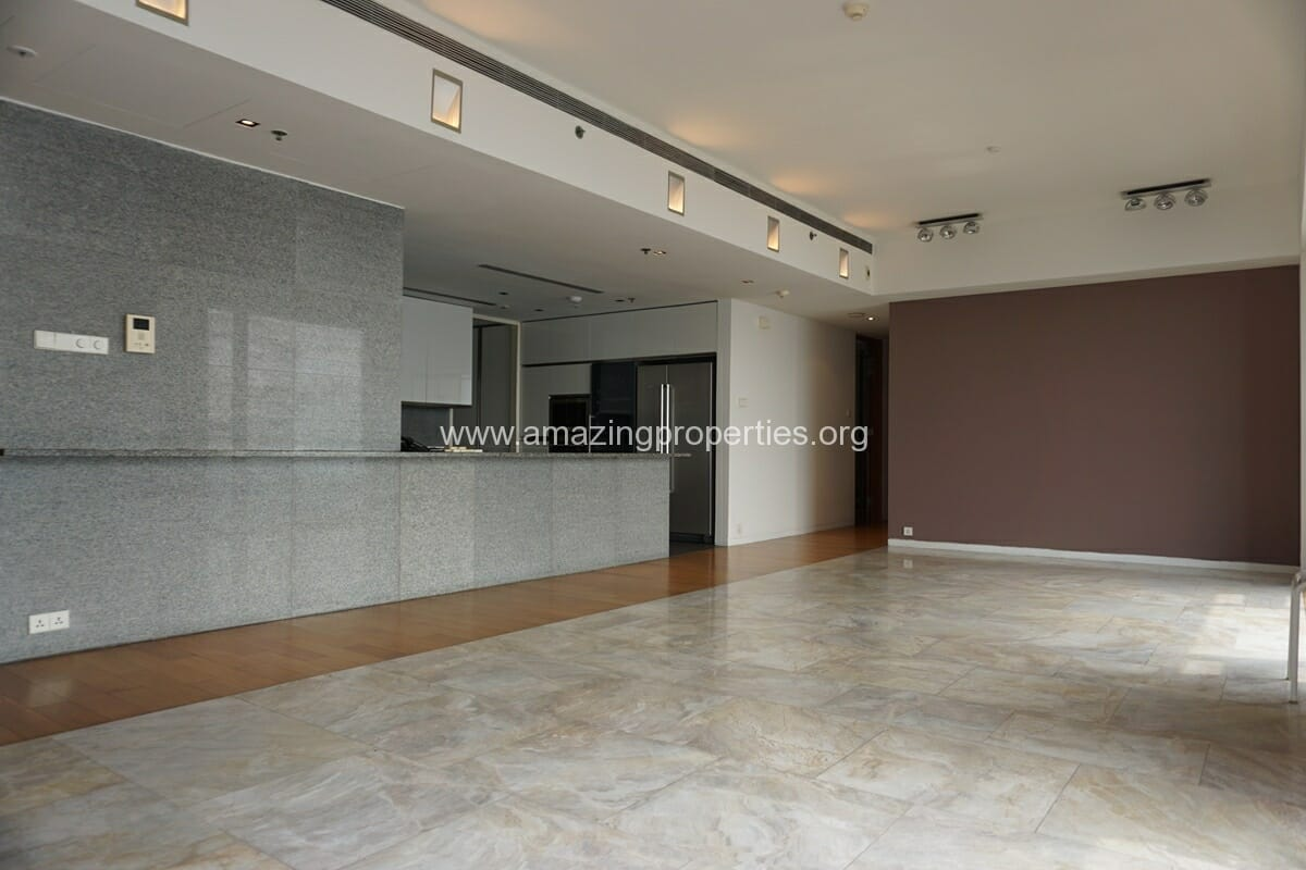 3 Bedroom condo for Rent The Met Sathorn