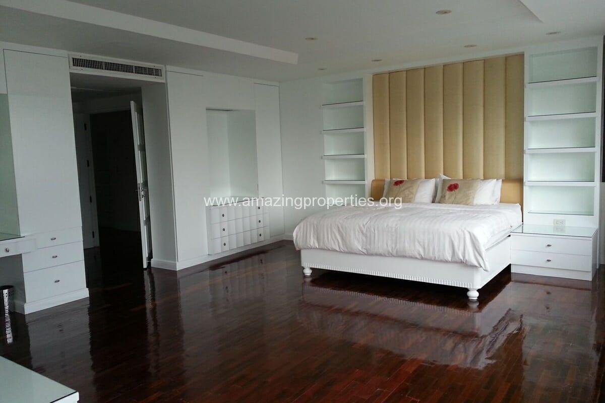 Sukhumvit Casa 5 Bedroom Penthouse for Sale (17)