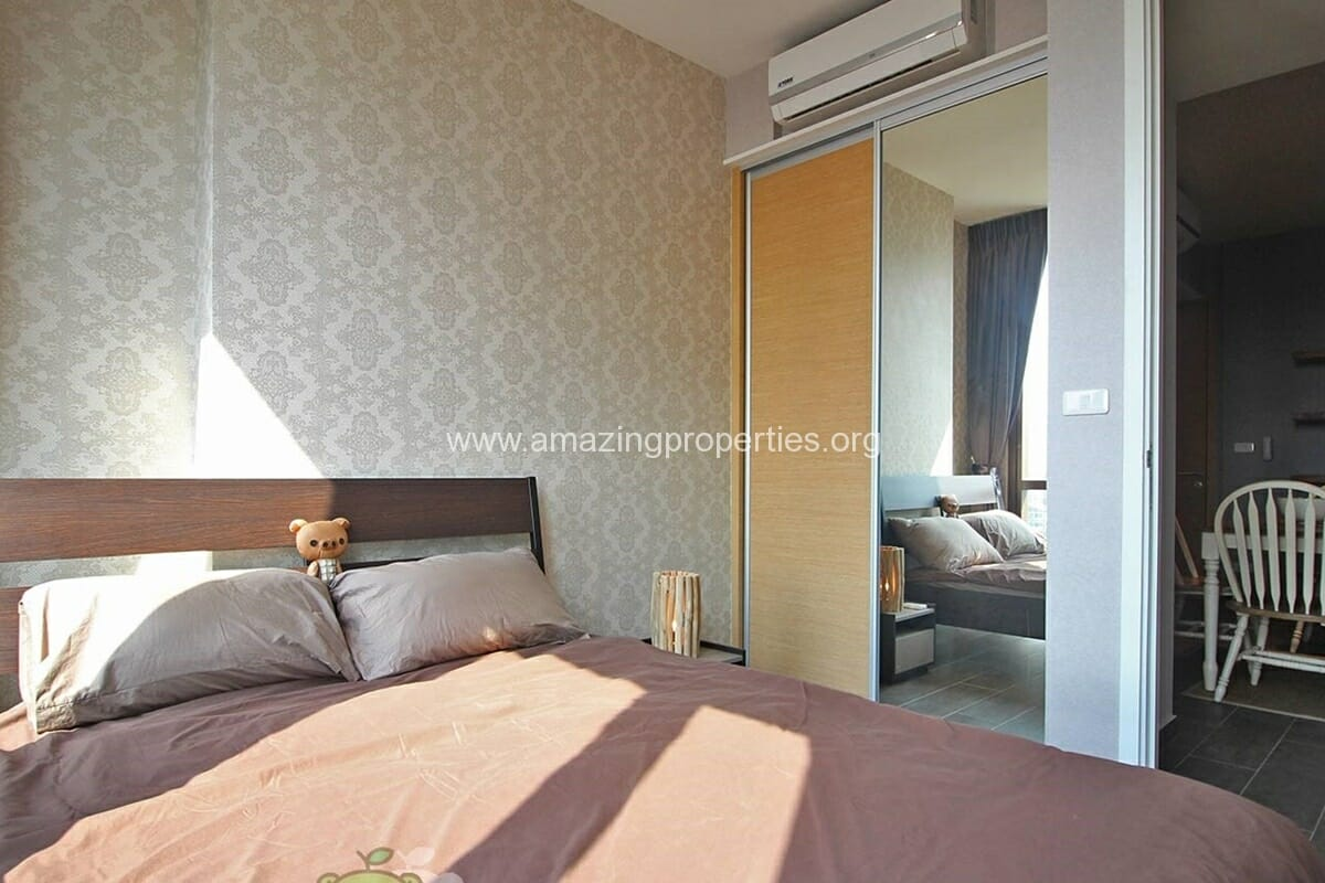 The lofts Ekkamai 2 Bedroom condo for Rent (12)