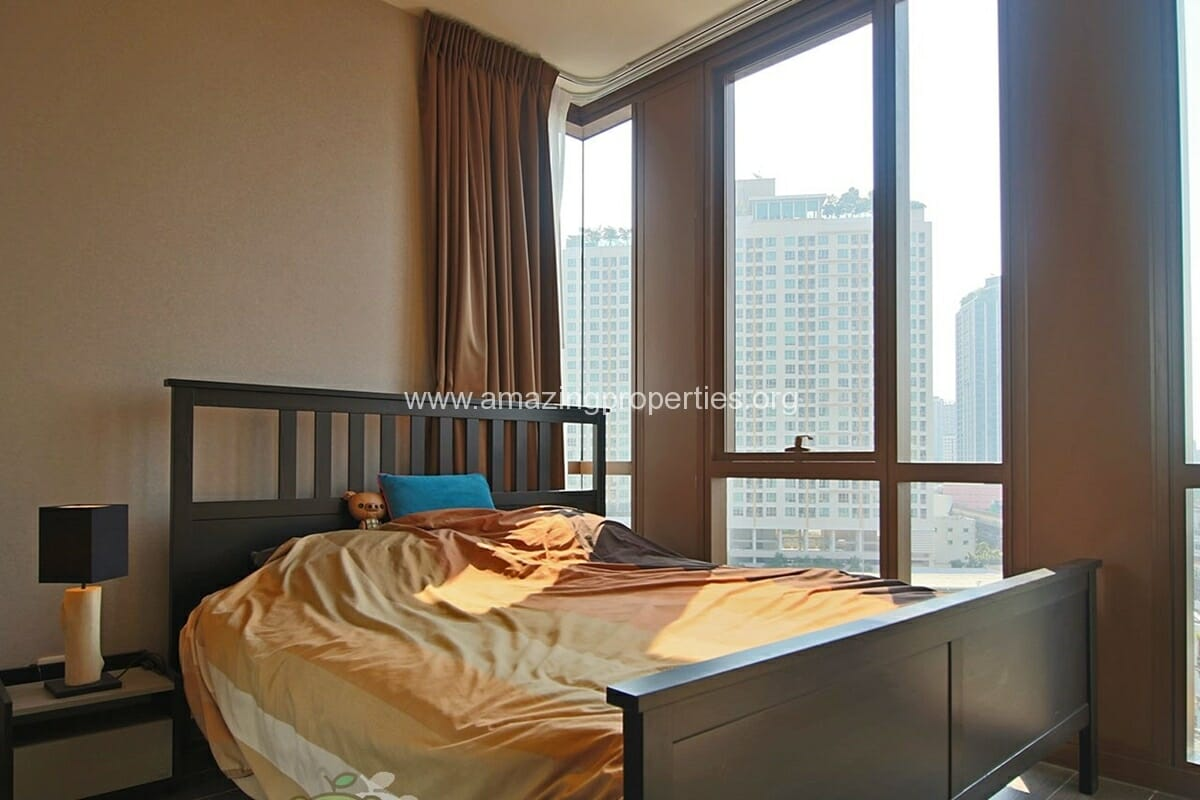 The lofts Ekkamai 2 Bedroom condo for Rent (8)