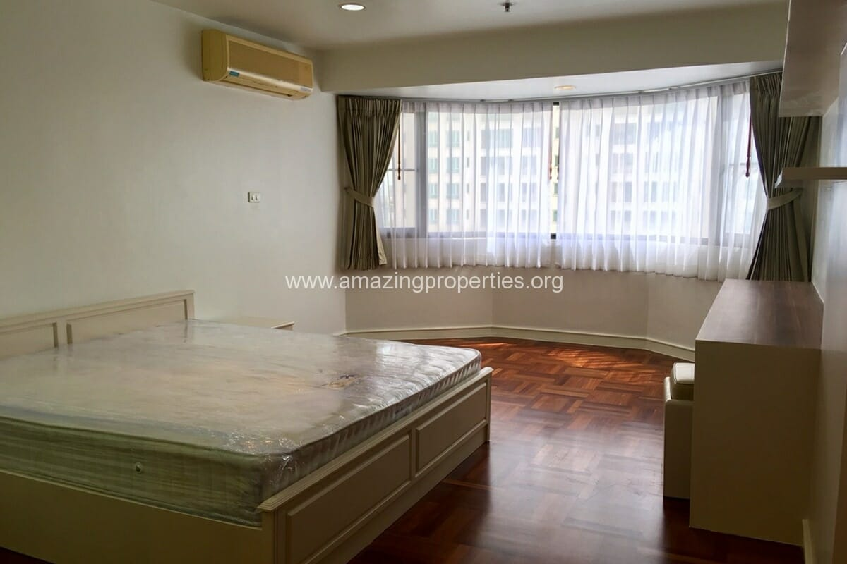 2 Bedroom Condo Baan Suanpetch (2)