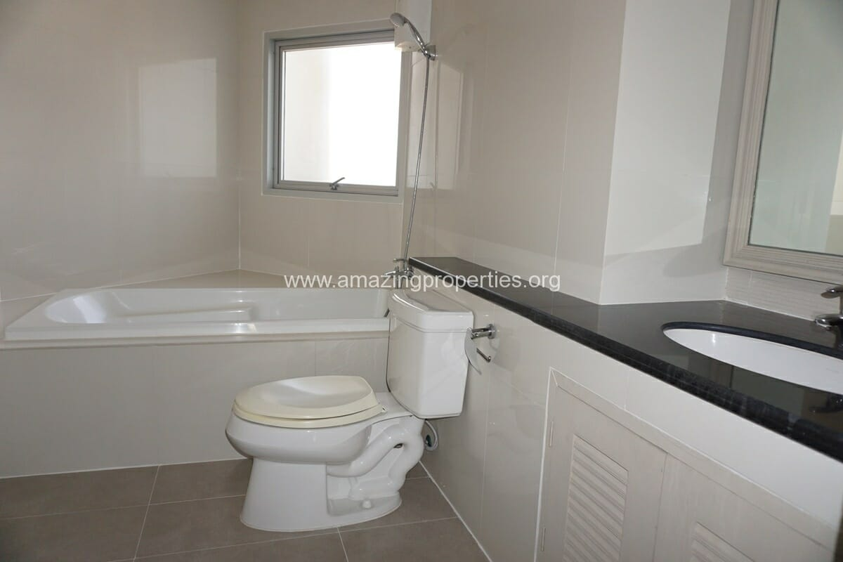 2 Bedroom Apartment for Rent at PWT Mansion (18)