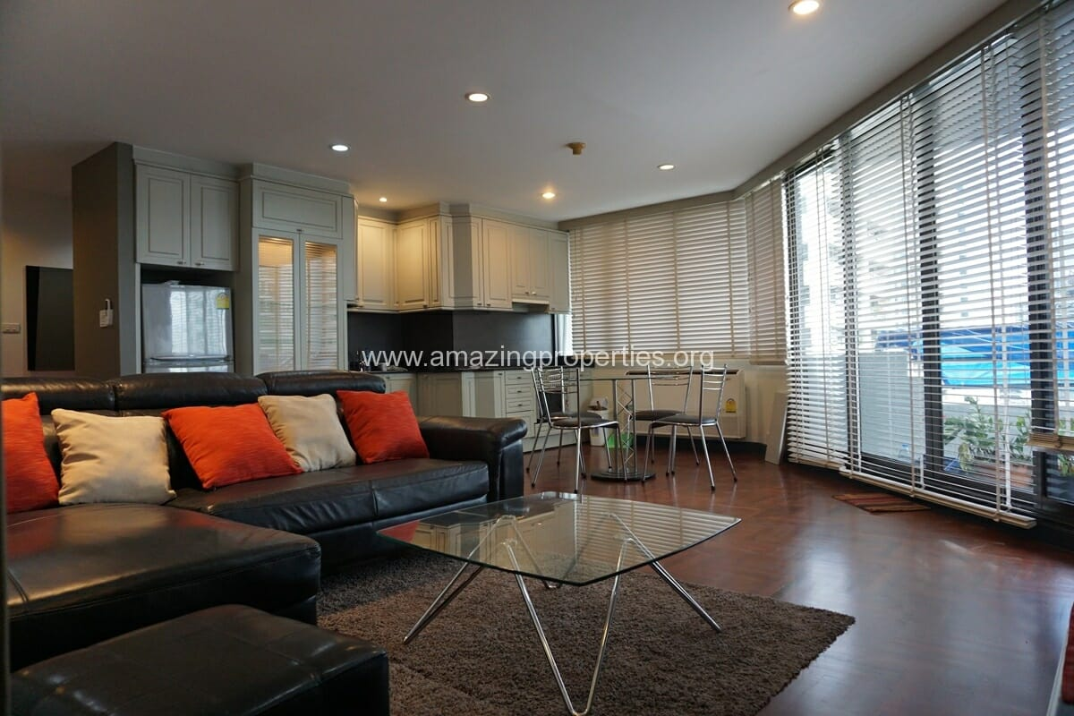 2 bedroom condo for Rent Lake Avenue Sukhumvit 16