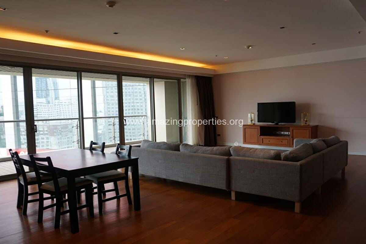 2 bedroom condo for Rent at The Lakes (1)