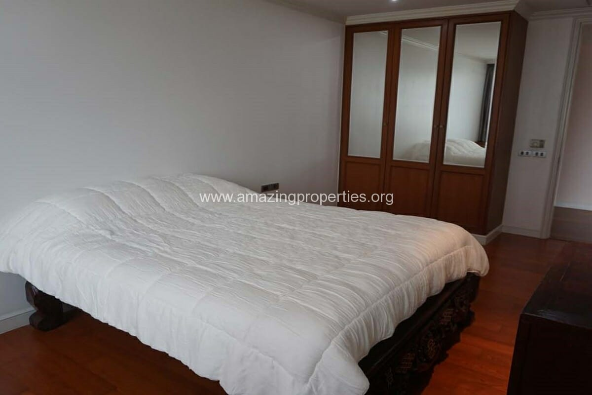 2 bedroom condo for Rent at The Lakes (4)