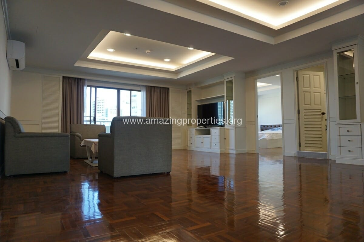 3 Bedroom Apartment for Rent at M Towers