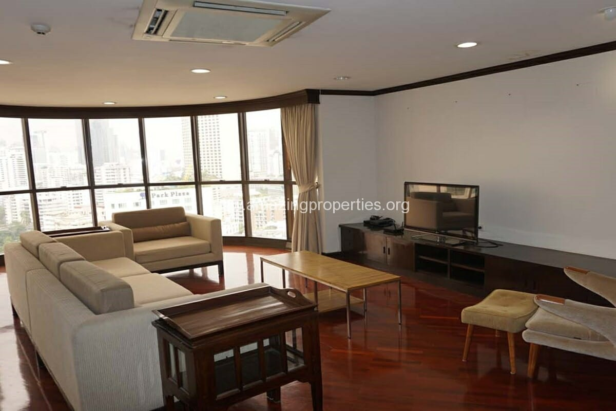 3 bedroom condo for rent at City Lake Tower