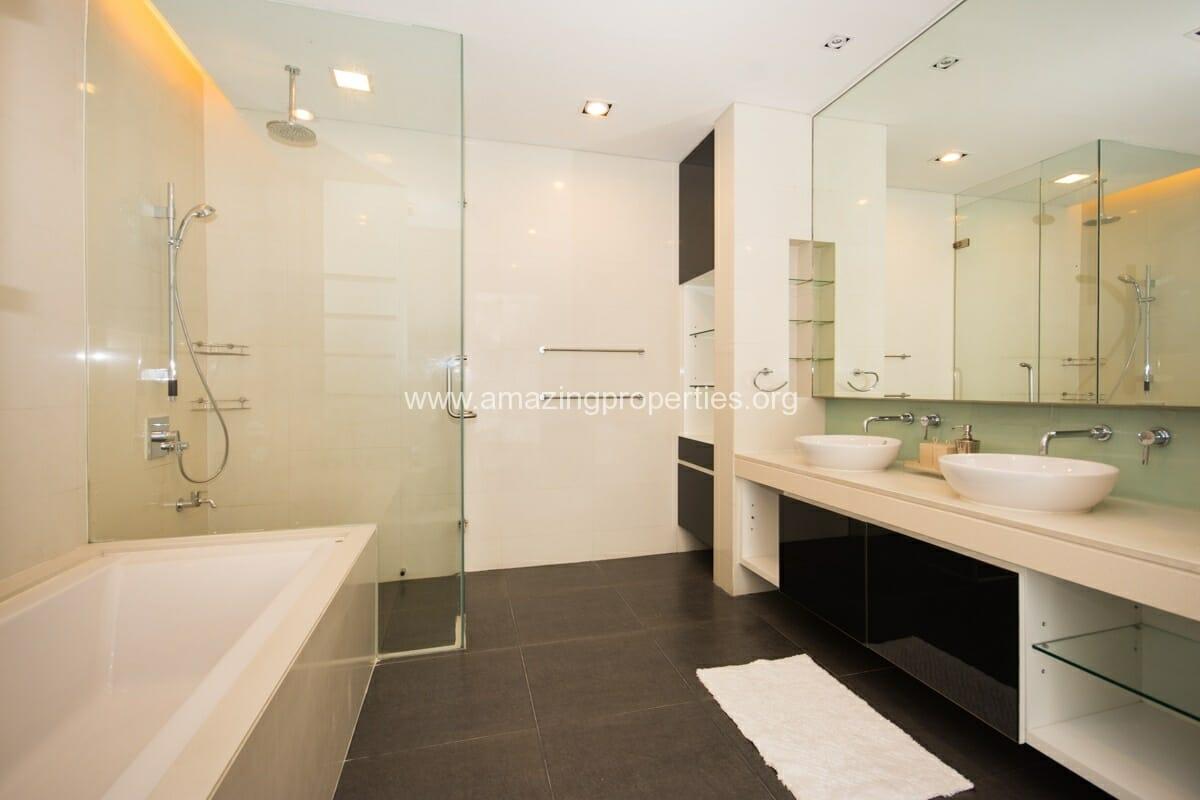 4 bedroom condo for Rent at Domus Condominium (11)