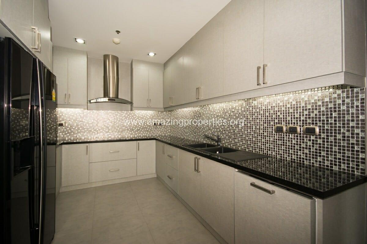 4 bedroom condo for Rent at Domus Condominium (4)