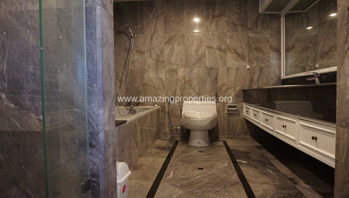 Ruamsuk 3 bedroom condo for rent (15)