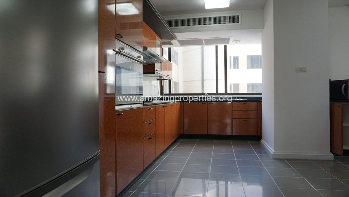 Ruamsuk 3 bedroom condo for rent (4)
