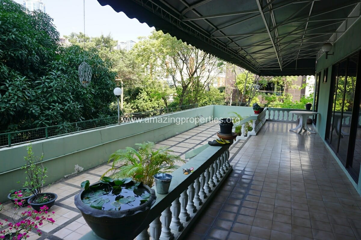 2 Bedroom Apartment for rent Sethiwan Palace