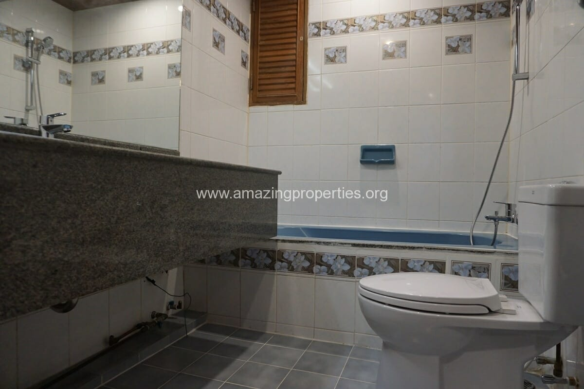 2 Bedroom Apartment for Rent at Sawang Apartment (2)