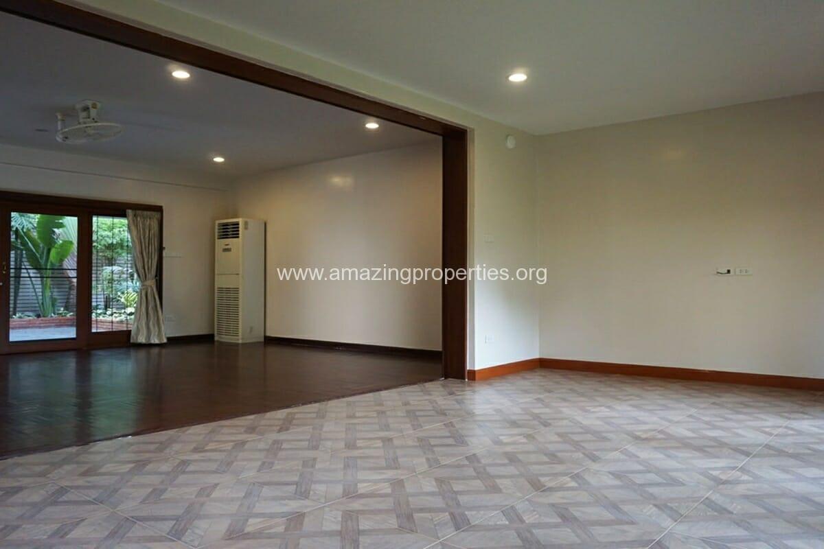 3 bedroom house with Garden Asoke (3)