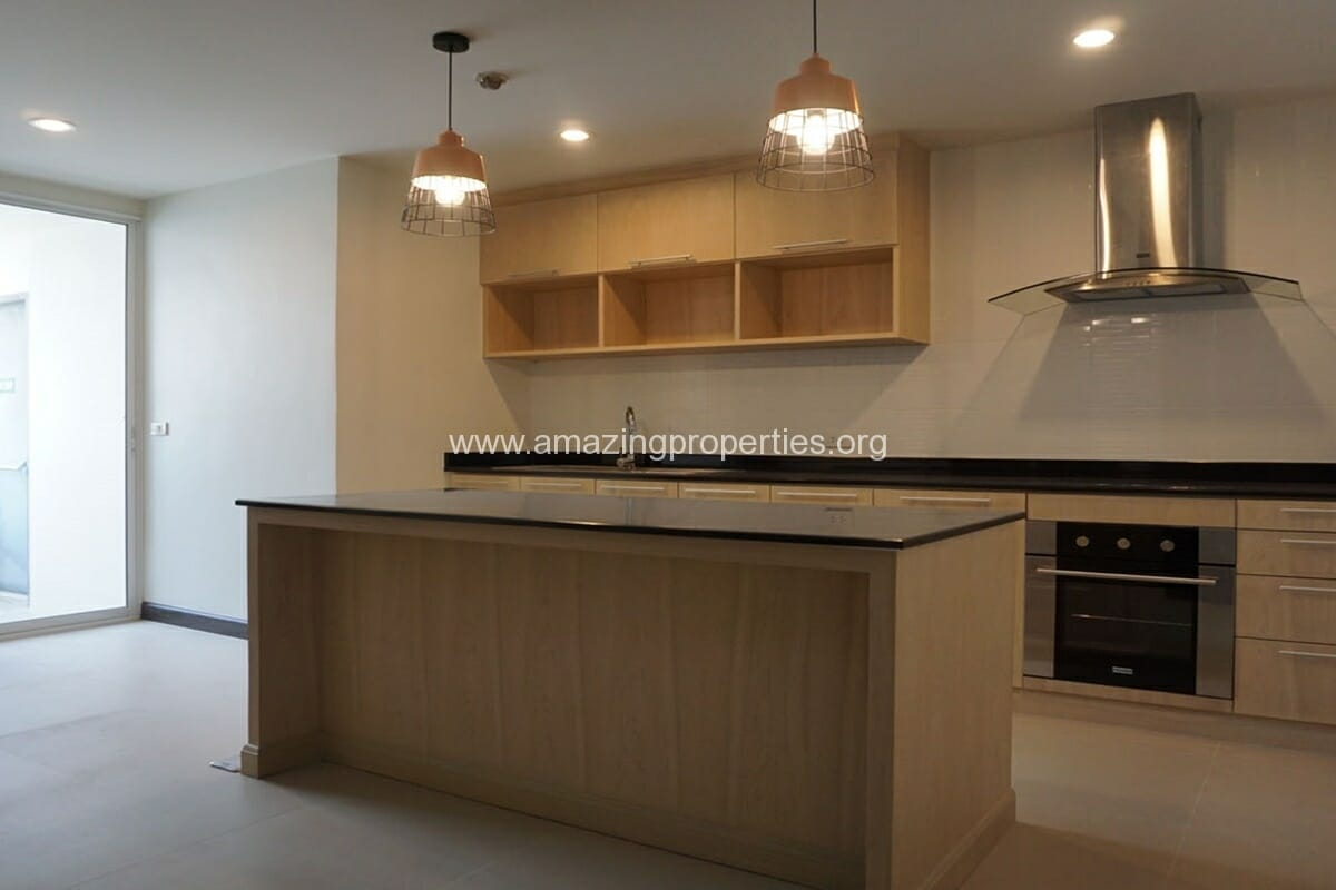 Newton Tower 2 Bedroom condo with studyroom for rent (1)